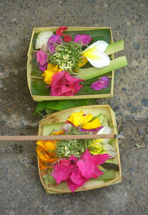 balinese-offering-baskets-mark-sellers