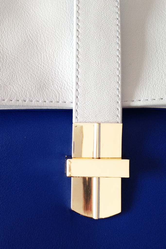 BRIGHT BLUE WHITE LEATHER CLUTCH COLOUR BLOCK GOLD DETAIL SPORTS LUXE